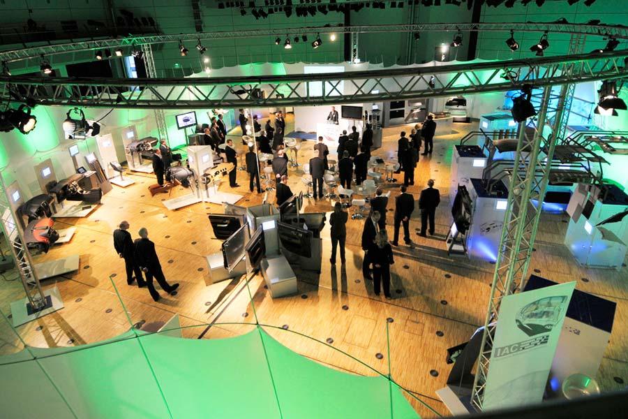 IAC GmbH - IAC Roadshow für Mercedes Benz (2)