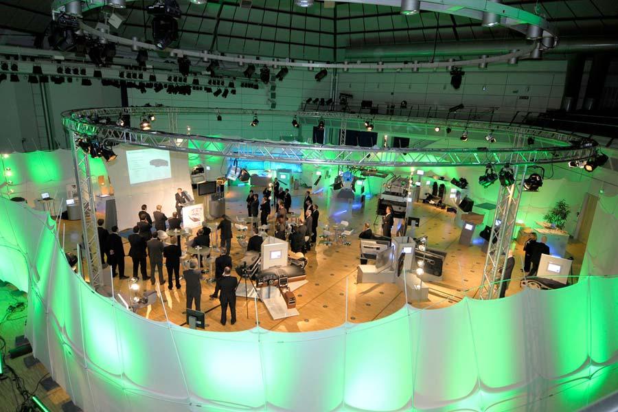 IAC GmbH - IAC Roadshow für Mercedes Benz (3)